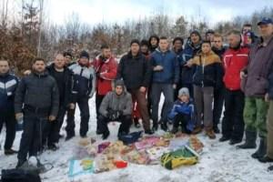 Vjernici iz Bijelog Polja sjekli badnjake