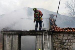Tragedija u bjelopoljskom selu Mioče: Stradao muškarac u požaru