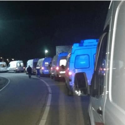 Rusija: Kolona vozila hitne pomoći čeka ulaz u bolnicu