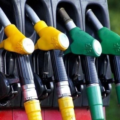 Benzin skuplji šest, dizel pet centi