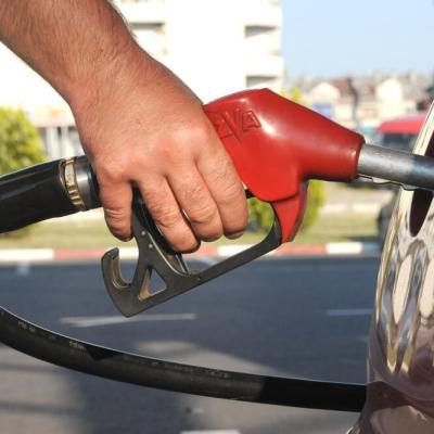 Pad dolara spriječio rast cijena goriva