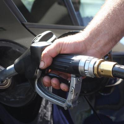 Benzin 95 jeftiniji za tri centa od utorka?