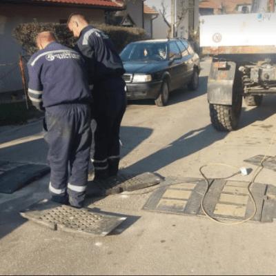 """Po nalogu opštine, DOO """"Čistoća""""izvodi radove na trotoarima i opravci usporivača brzine"""