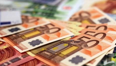 Deficit budžeta 385,8 miliona eura