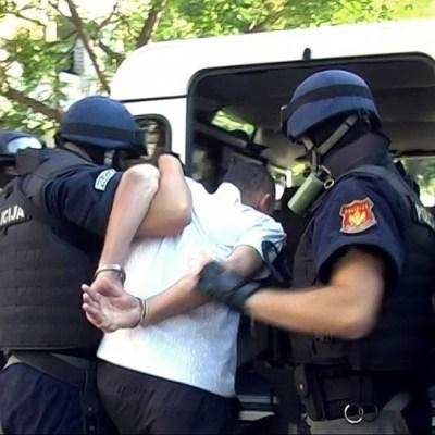 Osumnjičeni za dilovanje drogom nasrnuo na policajca