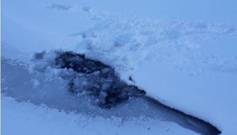 Turisti upali u Crno jezero; Apel: Ne šetajte po ledu gdje je zabranjeno