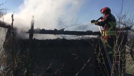I danas više požara, u Grevu izgorio pomoćni objekat