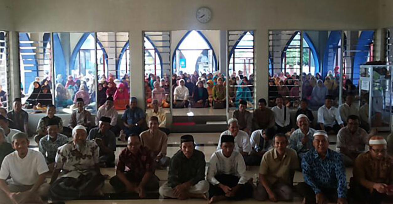 Pengajian Umum Ahad Pagi di Masjid Al Basith Kenanten, Mojokerto, Jawa Timur, Ahad (5/6)