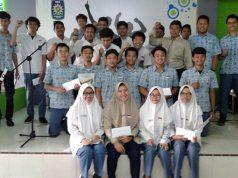 Siswa-siswi SMAMDA yang mendapat apresiasi atas prestasi-prestasinya. (Foto: Tori)