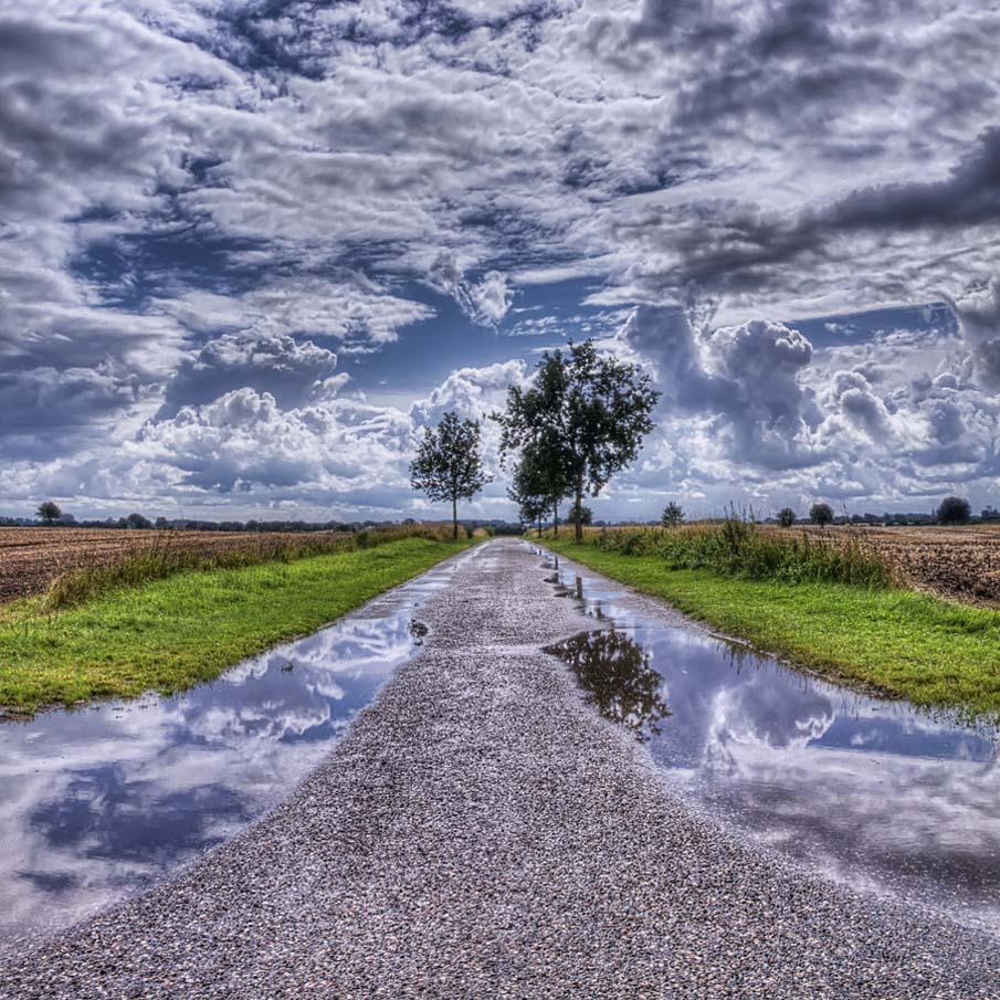 Проселочной дороге в Дании - HDR
