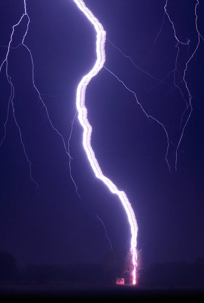 Ribbon Lightning Hits a Tree