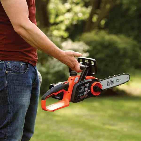 Best small chainsaw. Smaller 18v 25cm Black + Decker chainsaw