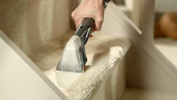 Vax W90-RU-P Rapide Ultra cleaning stairs carpet