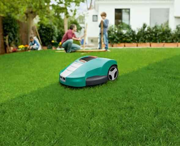 Bosch Indego Robotic Lawn Mower cutting