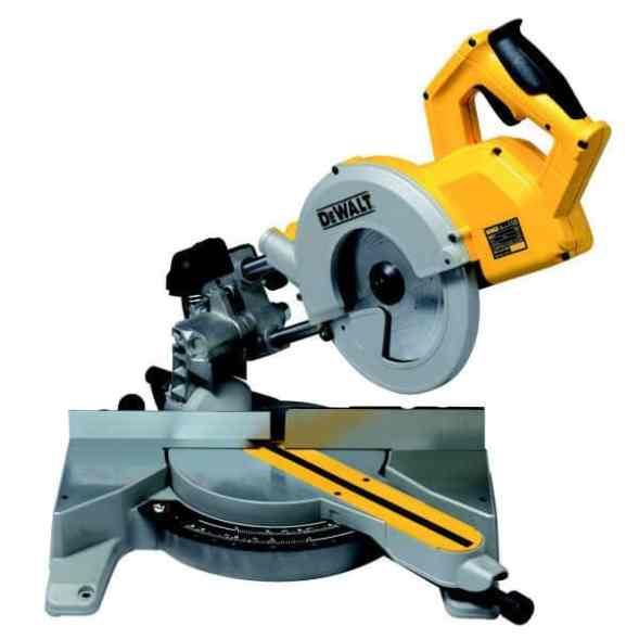 DeWalt DW777 240V 216mm Crosscut Mitre Saw Review