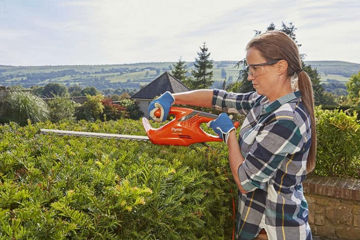Flymo EasiCut 460 - Electric Hedge Trimmer 450W Review