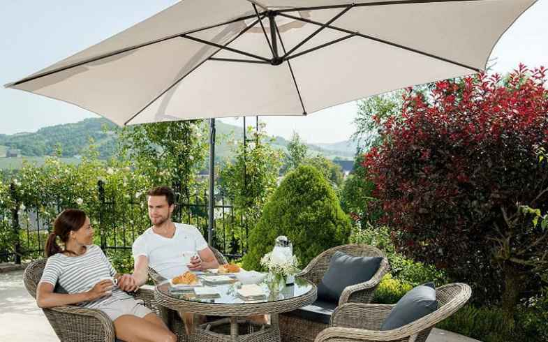 The Best Cantilever Parasol & Top 5 Models & Detailed Reviews