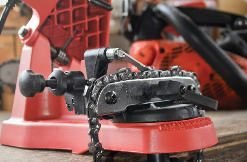 How to sharpen a chainsaw – top 10 best chainsaw sharpener.