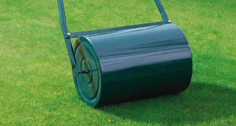 Best Lawn Roller & Top 5 Selections with a Detailed Buying Guide