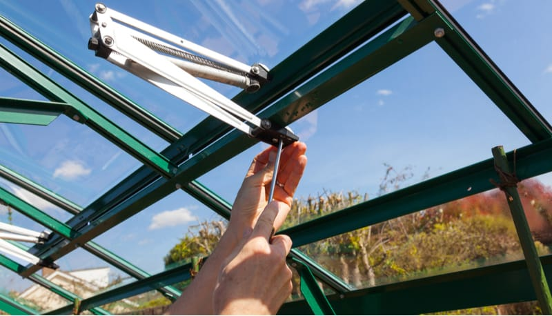 Top 5 Best automatic greenhouse vent openers for controlling the temperature and increasing airflow in your greenhouse