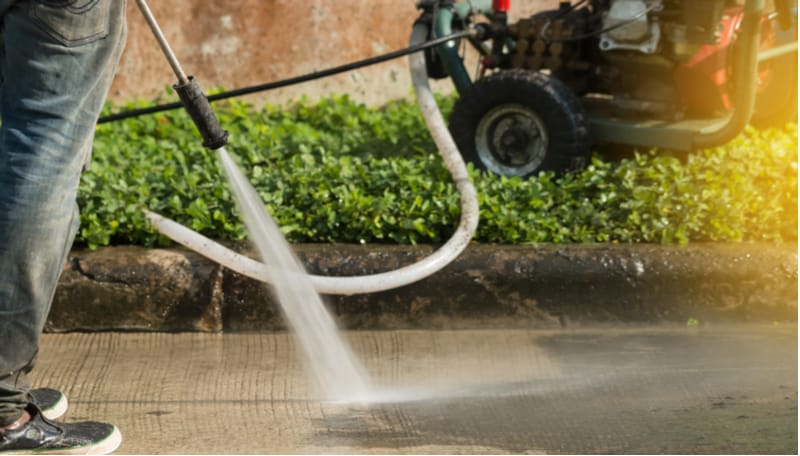 Top 5 best petrol pressure washers for domestic and professionals