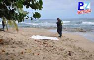 Fuerza Pública y Cruz Roja recuperan cuerpo de bañista desaparecido ayer en Quepos.