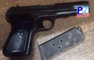 Fuerza Pública decomisa a extranjero arma robada en el año 2007 en Garabito, Puntarenas.