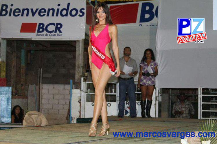 Raquel fue la Señorita Expo PZ los años 2010 y 2011.