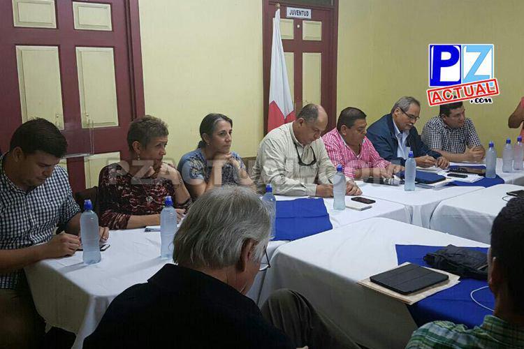 Presidente Solís rindió cuentas a vecinos en gira a Zona Sur.