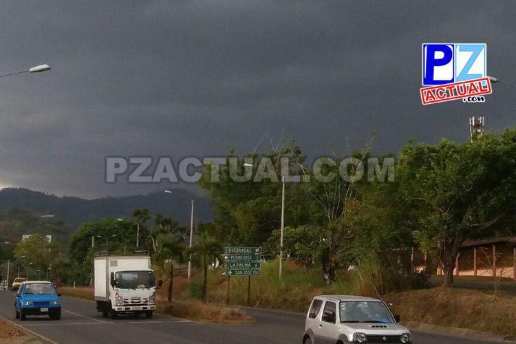 Condiciones lluviosas para la tarde y noche.