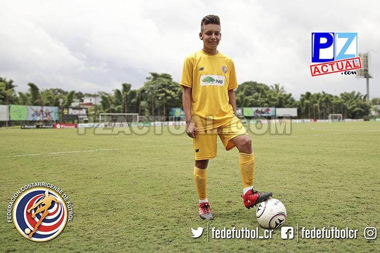 A sus 14 años, un joven vecino de Corredores lucha por formar parte de la Selección Nacional.