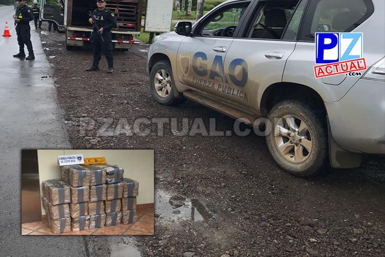 Sujeto escondía más de 300 kilos de cocaína en un camión y fue detenido en Jacó.