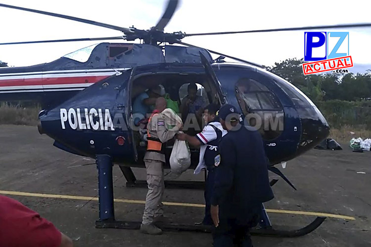 Pilotos del SVA rescatan a familia que se encontraba aislada en Buenos Aires de Puntarenas.