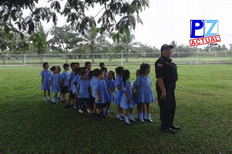 Seguridad Pública asigna 14 mil policías para cuidar a 950 mil estudiantes en este ingreso a clases 2018.