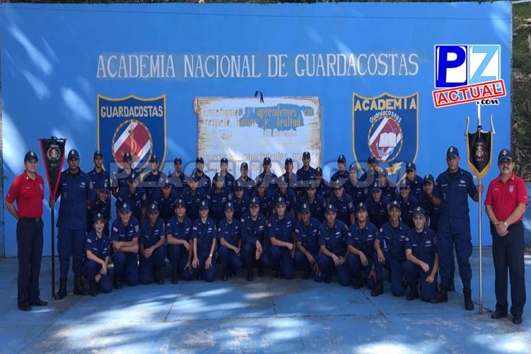Academia del Guardacostas prepara a un nuevo grupo de oficiales en la atención de emergencias.