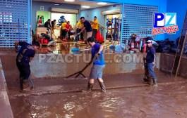 Funcionarios de la CCSS se arrollaron las mangas para limpiar instalaciones del área de salud de Golfito.