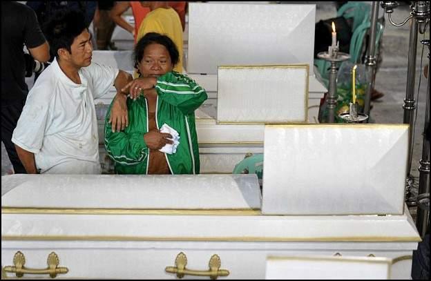 """""""بطل من الفلبين"""".. قايض بحياته بأكثر من 30 شخصا"""