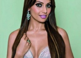 What are some stunning bold photos of Bipasha Basu in 2020?