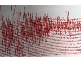 What is experts opinion on frequent earthquake tremors in Delhi?