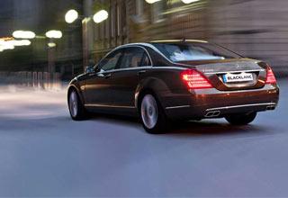 Book your luxury chauffeur drive for door-to-door airport transfers