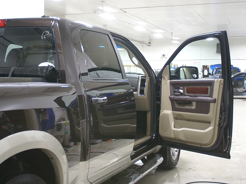 AUTO BODY AND PAINT     QUALITY COLLISION AUTO BODY AND PAINT