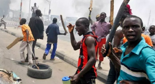 hoodlums cause violence at Fadeyi