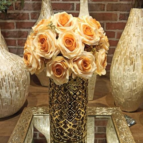Buque de rosa artificial laranja com vaso