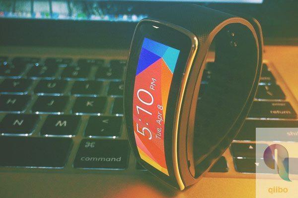 Samsung lanzará un nuevo reloj con Android Wear este año