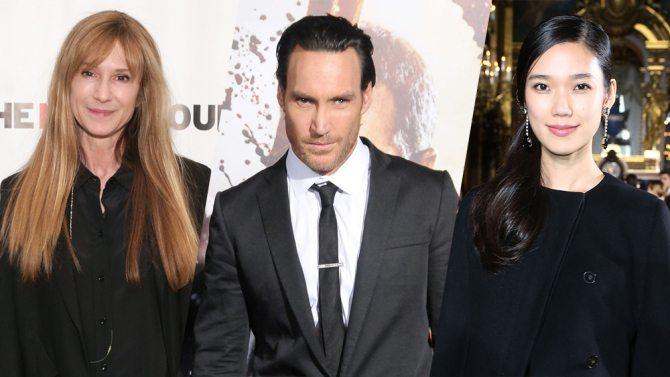 Holly Hunter, Callan Mulvey y Tao Okamato en la película de Batman vs Superman