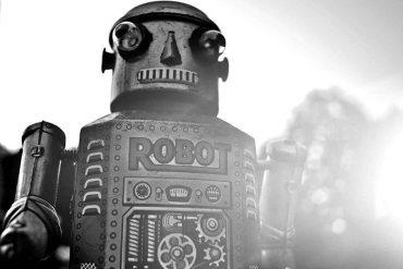 Robots ayudarían a fabricar iPhone 6