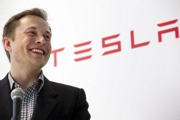 Elon Musk- Apple esel cementerio de Tesla copy