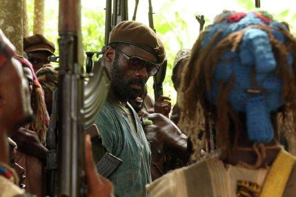 BEASTS OF NO NATION - Este drama nos presenta la brutal historia de un niño obligado por las circunstancias a tomar parte en la guerra civil de su país como soldado. El filme es totalmente seductor con su hermosa cinematografía y paisajes que sirven de contraste con la poderosa historia que va acompañada por uno de los mejores trabajos de Idris Elba.