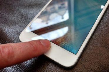 Apple no abirá iOS a petición del FBI