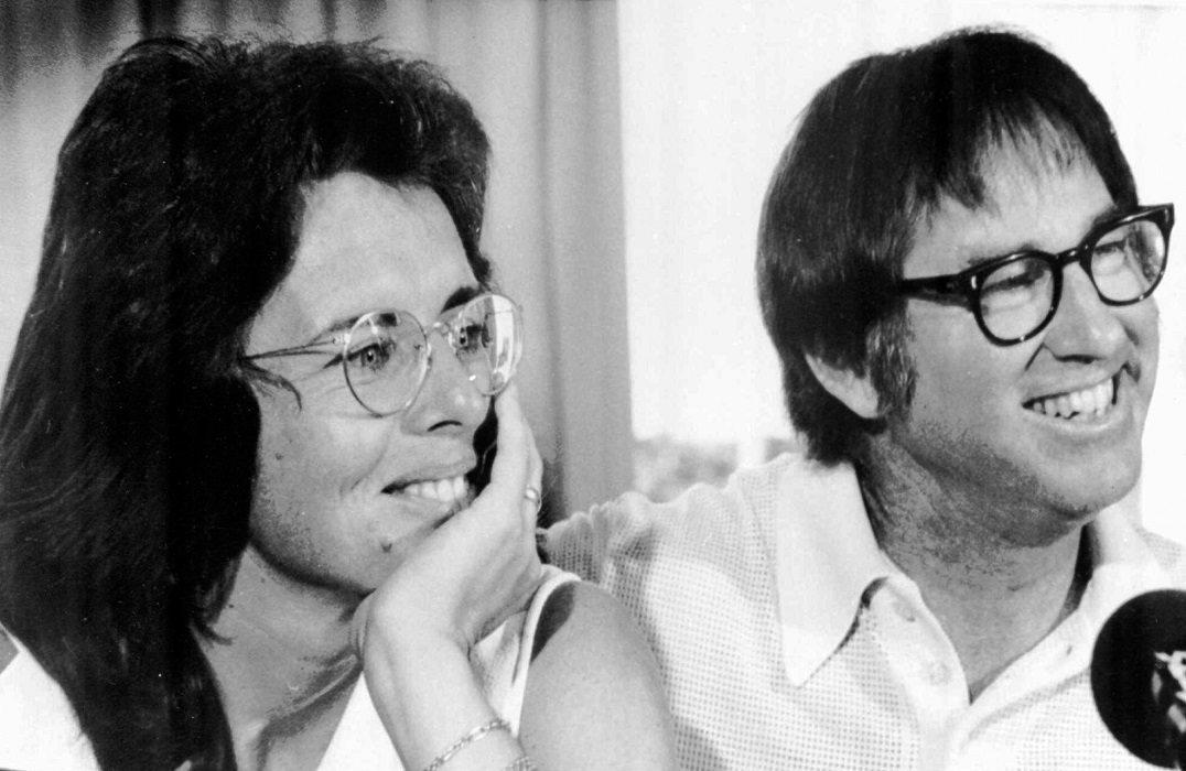 Los verdaderos Billie Jean King y Bobby Riggs (foto por AP)
